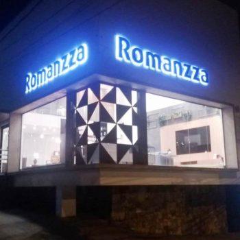 romanzza-letra-bloco-led